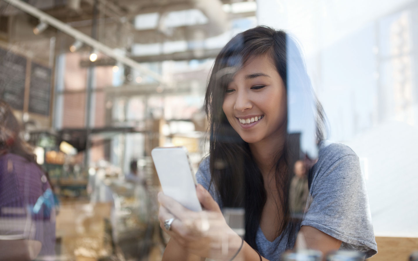 How to promote your retail app using existing channels | Poq - the app commerce company